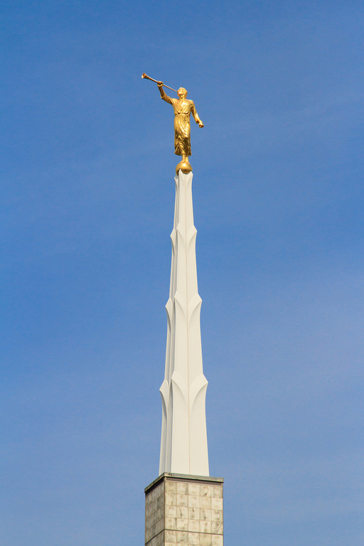 Dallas Texas Temple Moroni