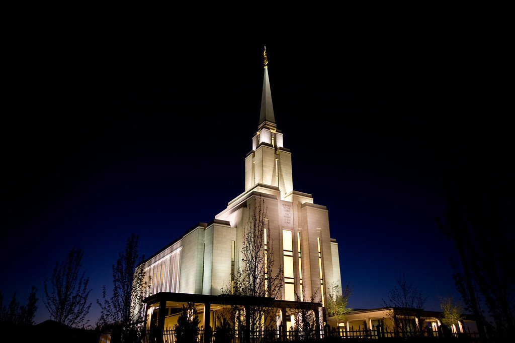 Oquirrh Mountain Temple at dusk